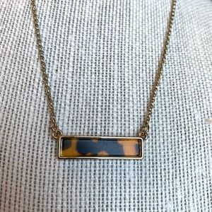 ✨3/$30 Banana Republic Tortoiseshell Bar Necklace